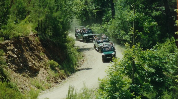 Side-Jeep-Safari1.jpg