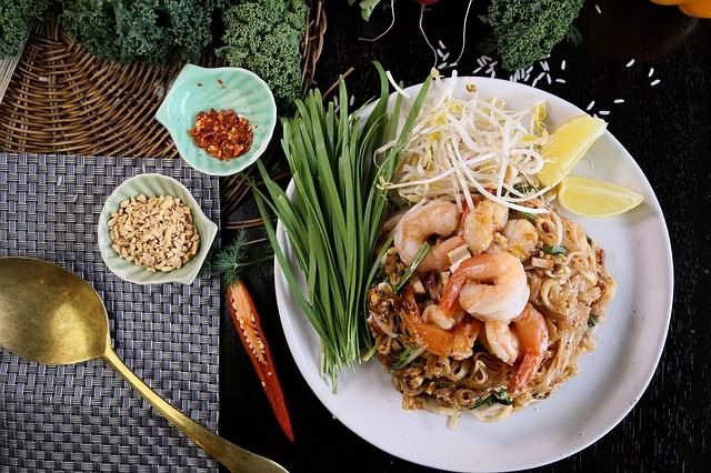 sokak yemeği tayland pad thai